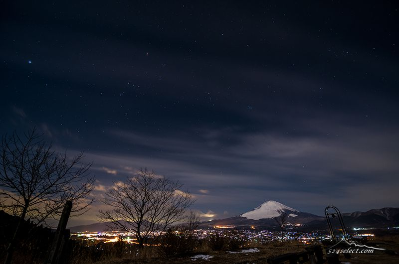 """ドラマ相棒ロケ地!富士山が見えるお勧めのデートスポット!相棒14−11話共演者に登場の""""誓いの丘"""""""