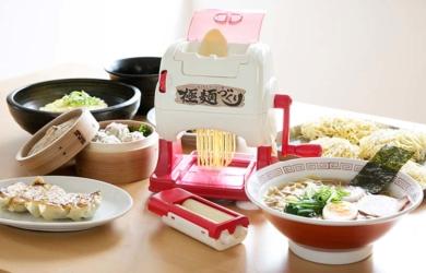 自宅で作れる本格麺[おうちでラーメン屋]極麺(きわめん)づくり!クッキングトイで登場!