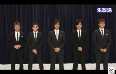 スマスマ生放送SMAPメンバーのネクタイの色は仕打ちか?キムタクだけが白地ネクタイの意味は?