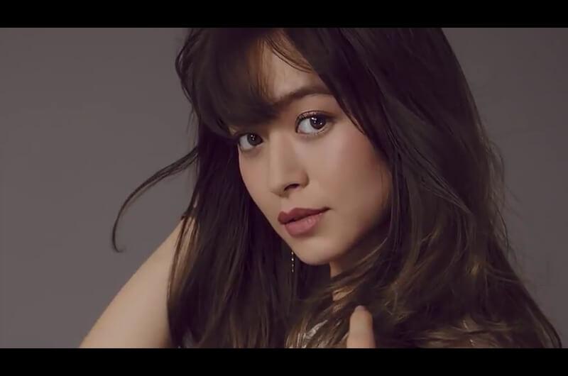 日本アルコン新CMモデル撮影シーンでカラコンが似合う女優は?野崎萌香のふたつのシーン